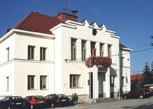 Obecni urad Petrovice